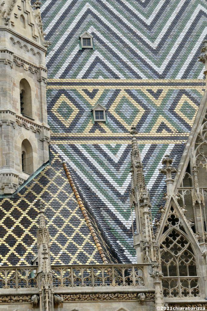 il tetto della cattedrale di santo stefano di vienna