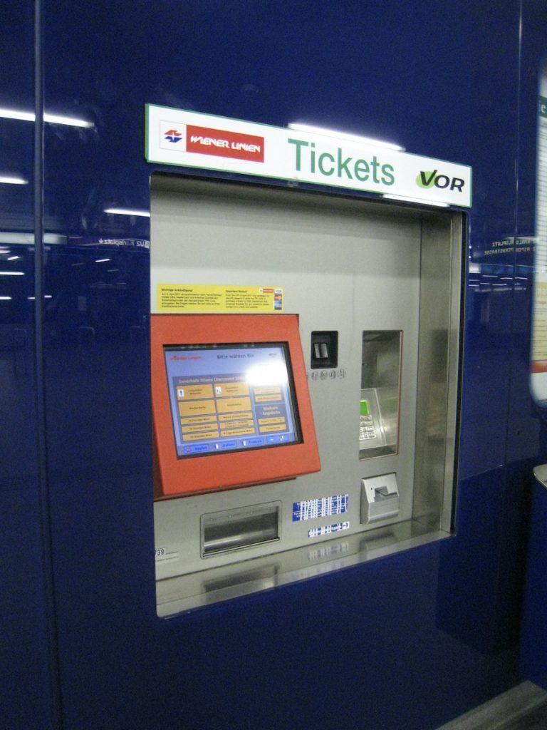 la macchinetta per comperare i biglietti