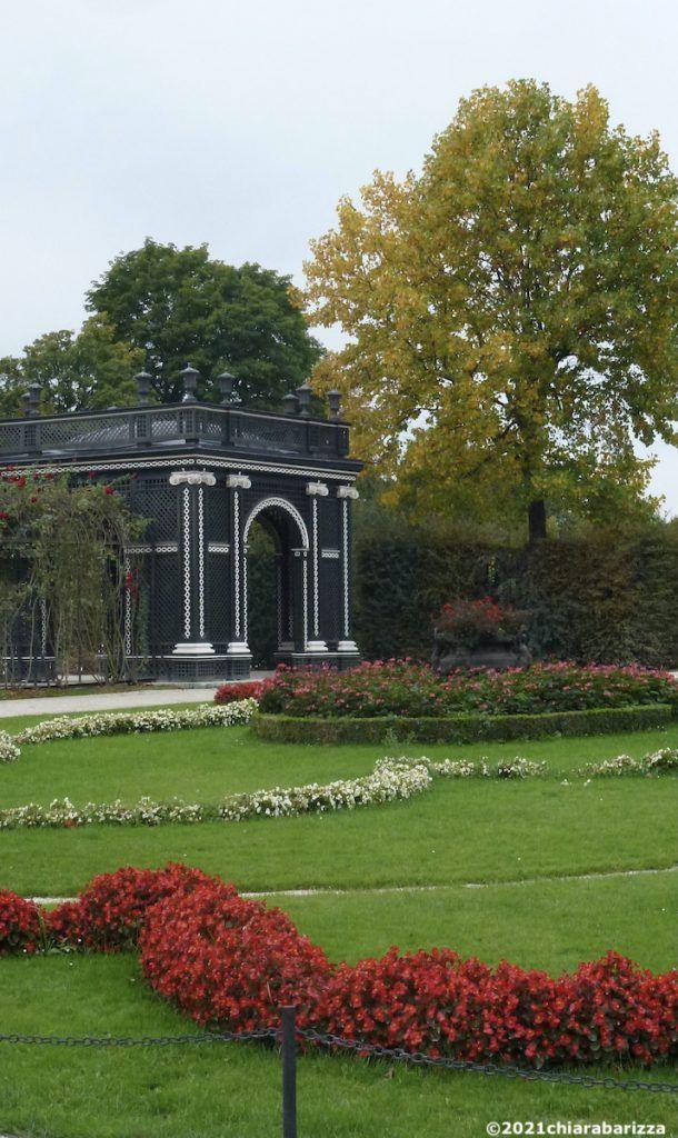 padiglione nel giardino laterale di schönbrunn